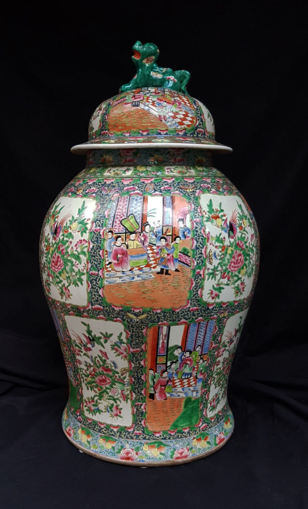 "A ""Pink family"" big China vase"